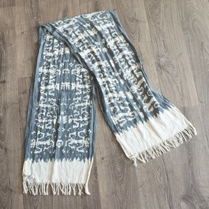 Lucky Brand blue and cream scarf
